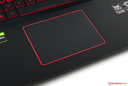 Un primo piano del trackpad dell'Aspire Nitro 5 AN517
