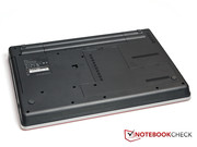 Il retro del ThinkPad Edge E525, senza porta docking.