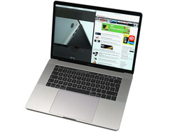 Apple MacBook Pro 15 (Late 2016, 2.6 GHz)