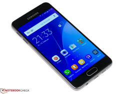 In review: Samsung Galaxy A3 (SM-A310F). Review sample courtesy of Samsung Germany.