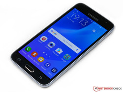 In review: Samsung Galaxy J3 (2016) - SM-J320F/DS. Review sample courtesy of Notebooksbilliger.de